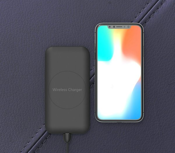 Air black with iPhone X for website 01